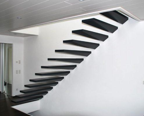Kragstufentreppe