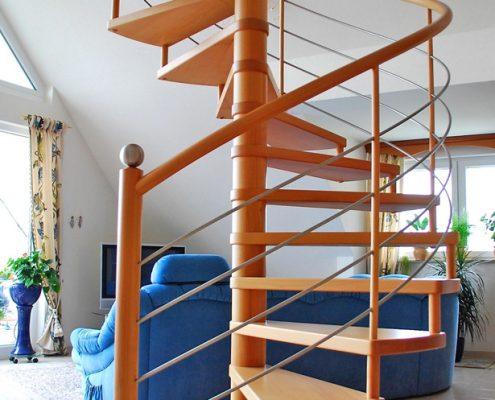 Spindeltreppe aus Holz