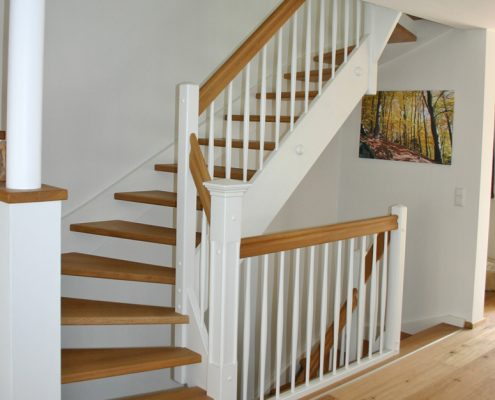Wangentreppe / Landhaustreppe aus Eiche