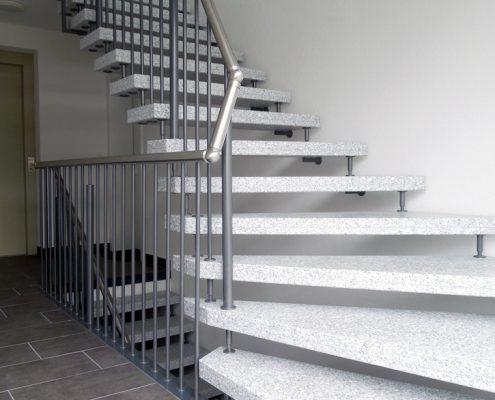 Kenngott Treppe - Betonwerkstein