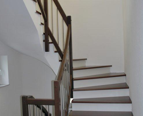 Stufen & Gländer auf Beton