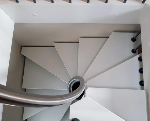 Raumspartreppe aus Eiche / Whiteline / auf 1qm